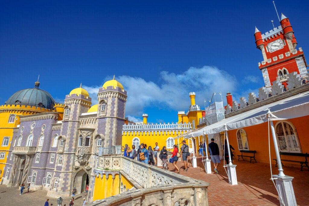El Palacio da Pena es una de las arquitecturas más extrañas de Portugal.