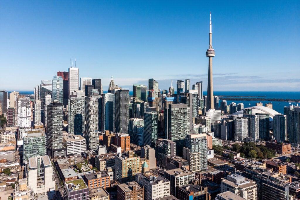 Toronto puede incluirse como una de las mejores ciudades de Canadá.
