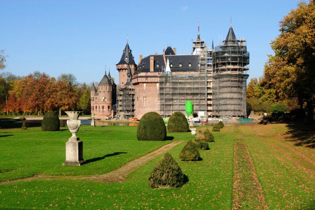Los jardines del castillo de Haar sobresalen por su belleza.