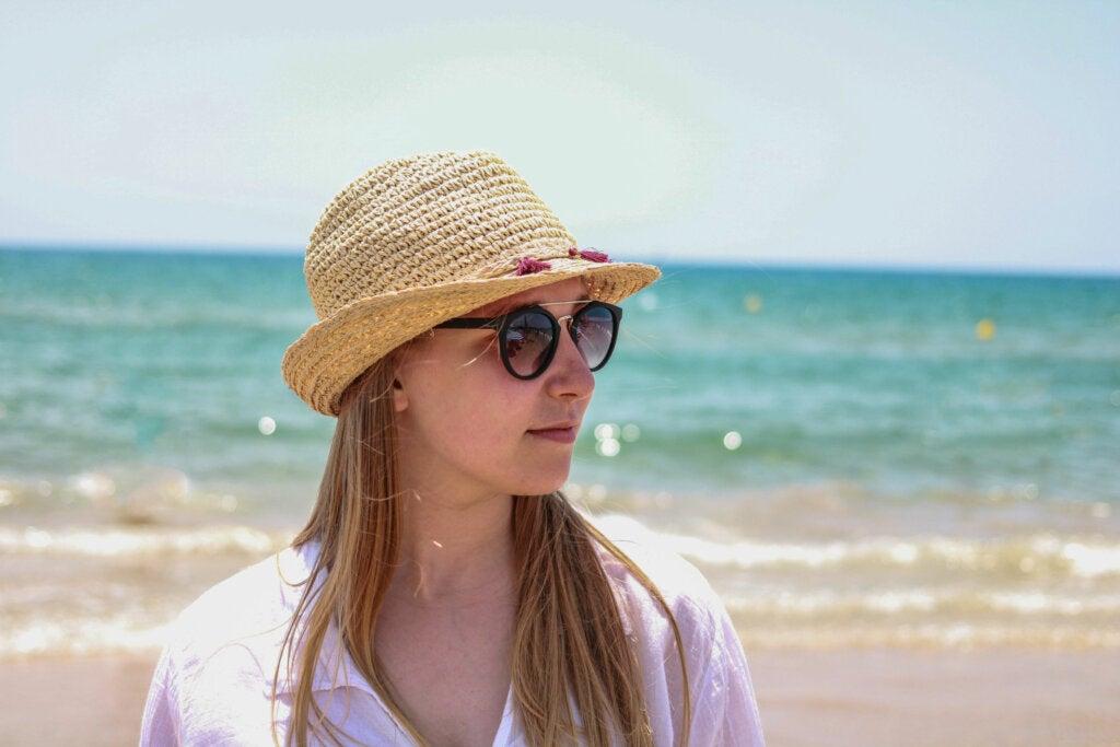 Trilby es uno de los tipos de sombreros prácticos para viajar
