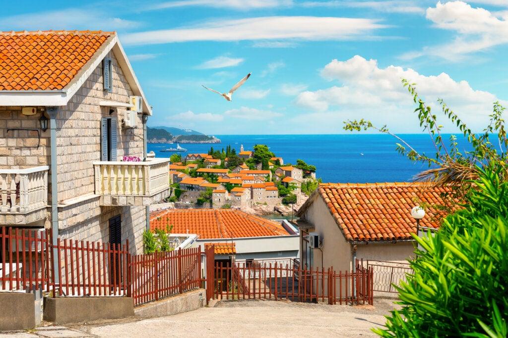 El resort en Sveti Stefan tiene un paisaje maravilloso.