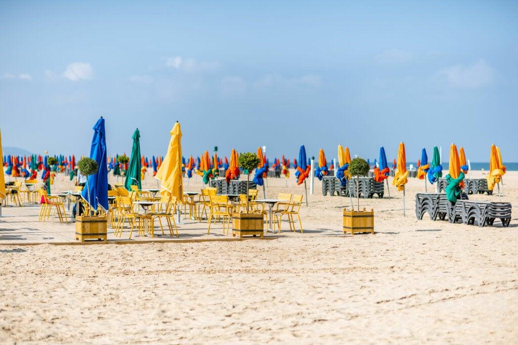 Deauville, una famosa playa de Normandía que debes visitar