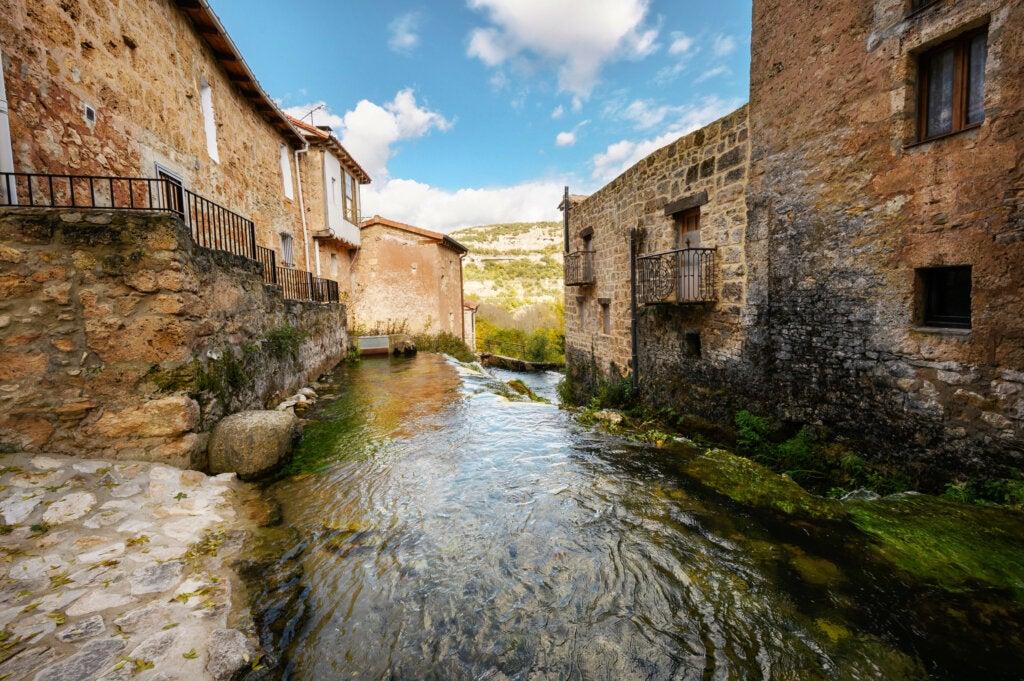 Orbaneja del Castillo: el agua eterna