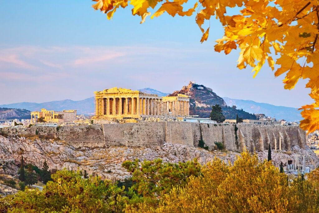 El templo de Atenea Niké se encuentra en la Acrópolis