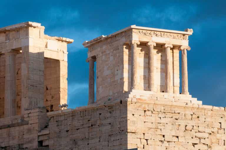 Templo de Atenea Niké: dedicado a la diosa de la victoria